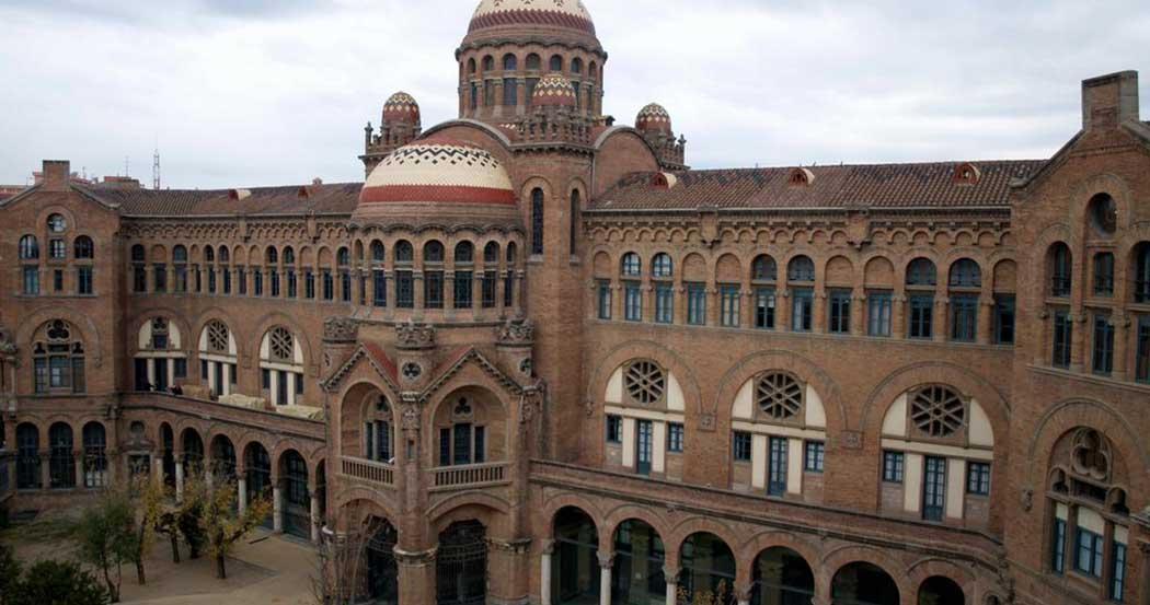 Alojamientos en barcelona sagrada familia for Alojamiento en barcelona espana
